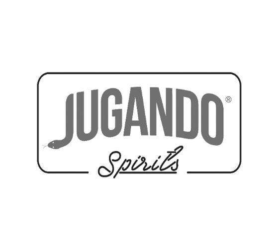 7 – Jugando